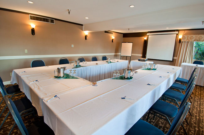 web-18-meeting-facility-2
