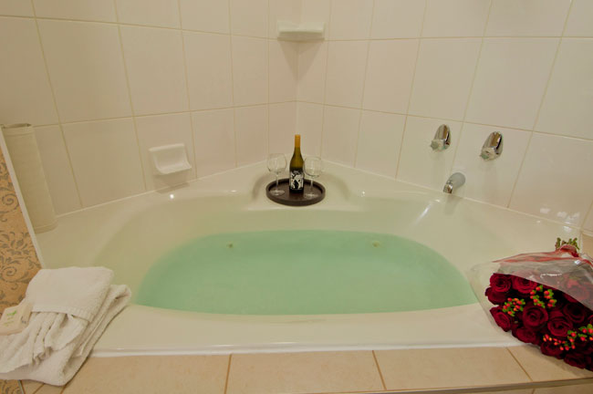 web-8--Jetted-tub
