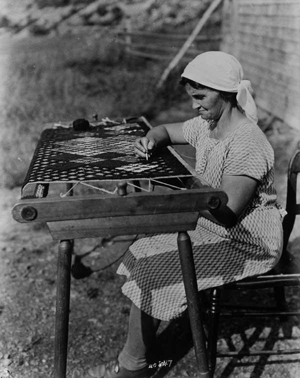 BiblioArchives--Acadian-women-making-rug